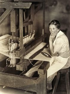 389670537b38b654b6ee5bd96c3dfea5--weaving-looms-sally-mann.jpg